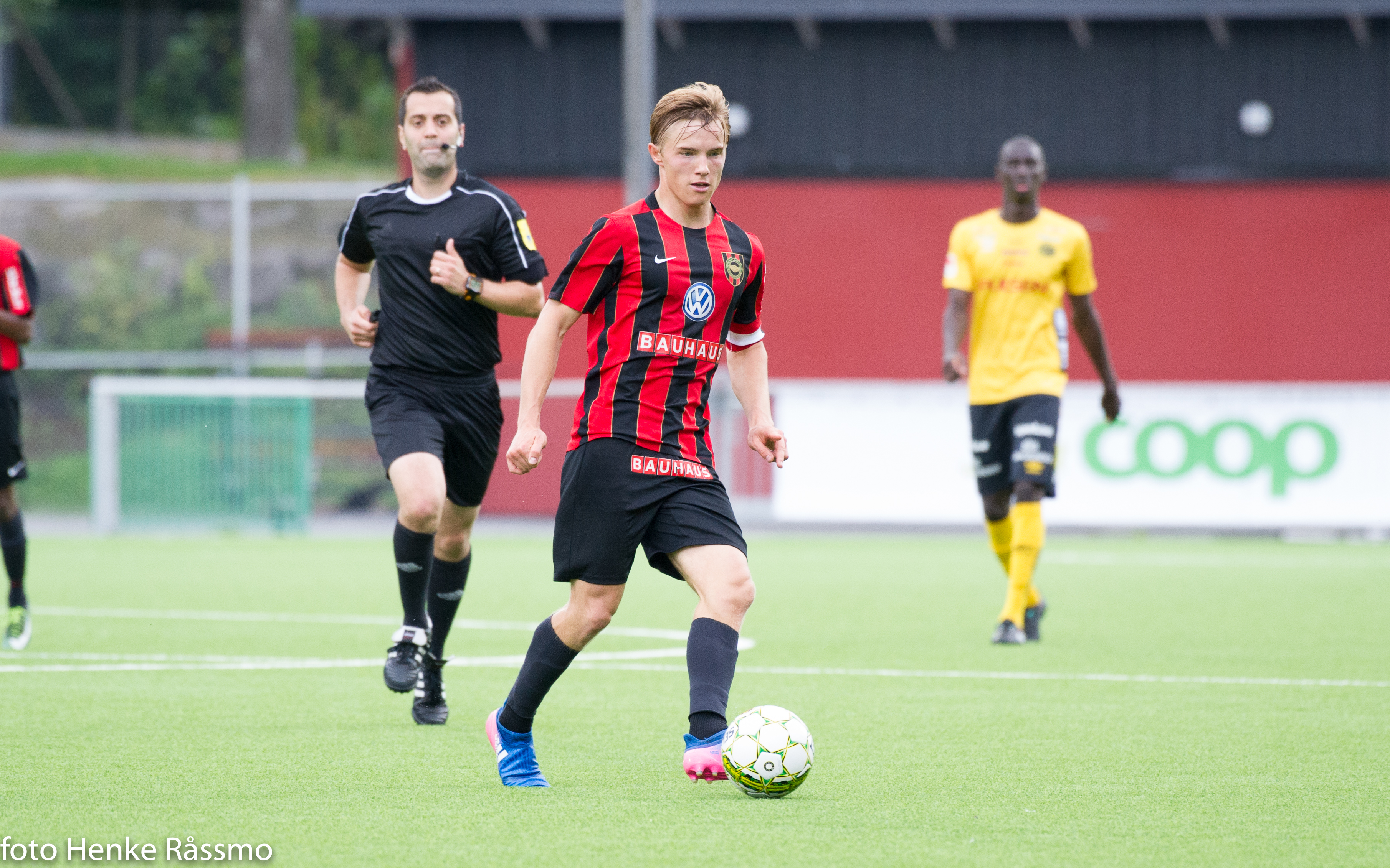 U21-slutspelet inleddes med förlust efter svängig match
