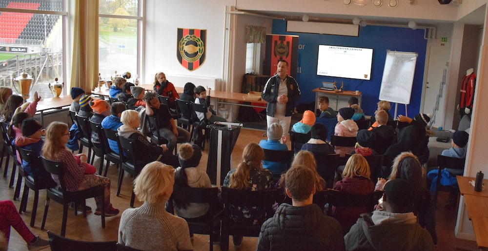 Skolträffen för samman ungdomar på Grimsta
