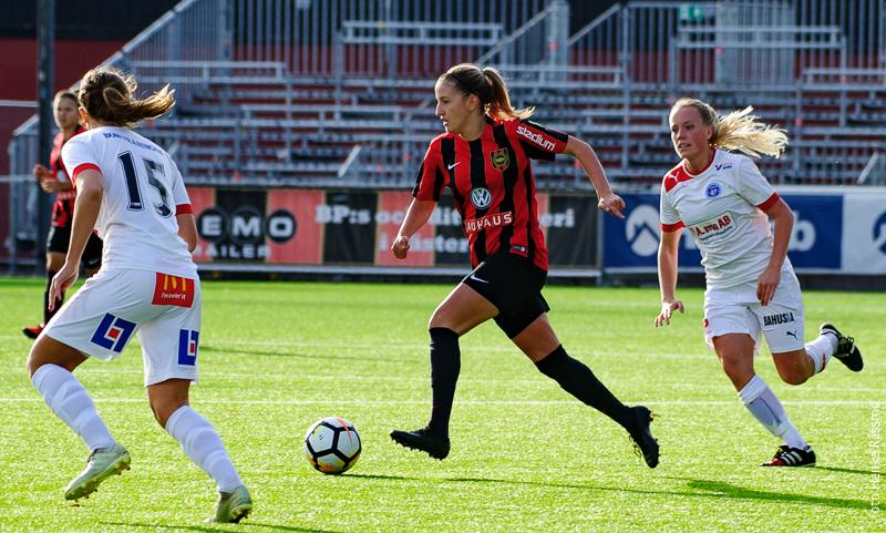 Daniella Novakovic förlänger