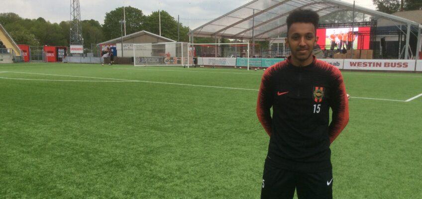 P19: inför derby mot Dif möt Endreas Tesfai om fotboll och drömmar.