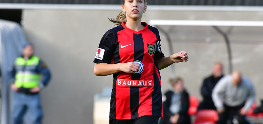 Sara Eriksson skriver seniorkontrakt