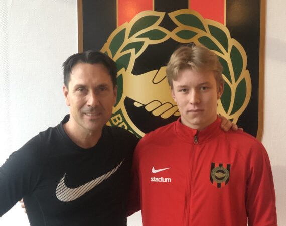 Daniel Svensson, 18, skriver kontrakt med FC Nordsjälland