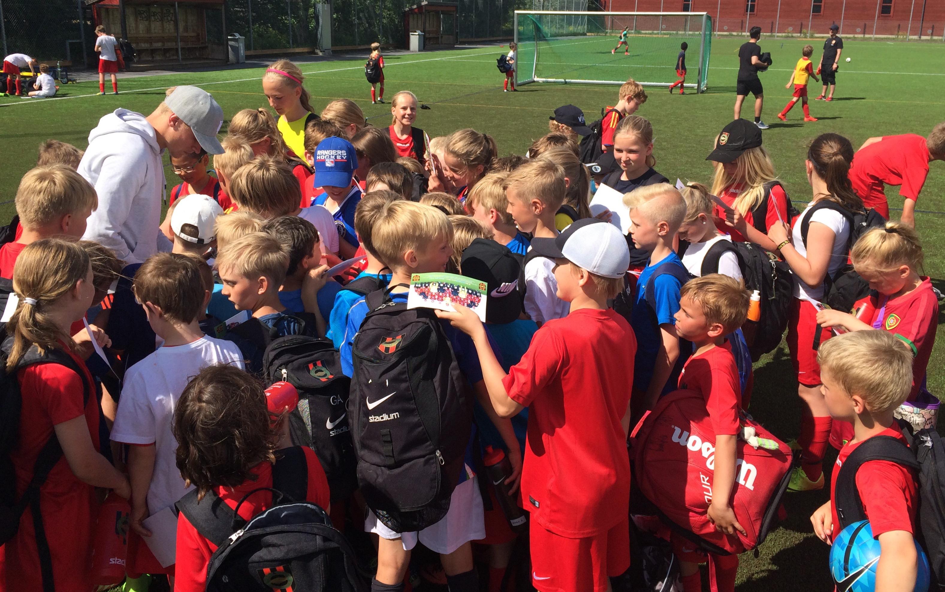 Uppskattade besök på Fotbollsskola och Camper