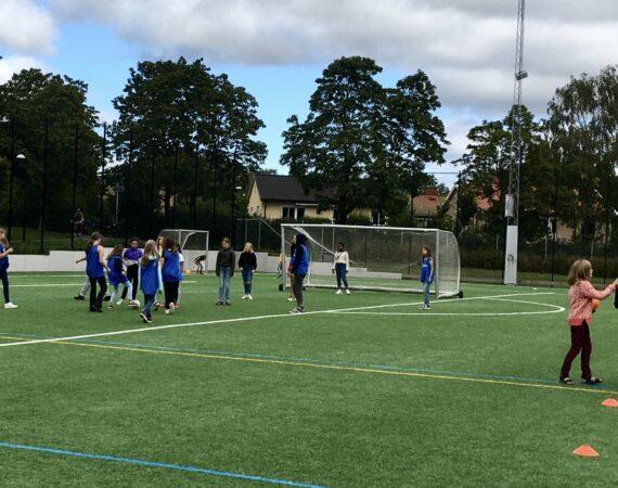 BP startar öppen fotboll i Loviselundsskolan och Vällingbyskolan