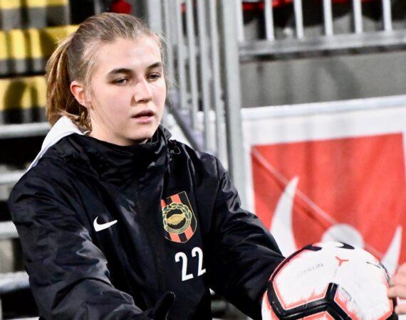 Mathilda Lindström stannar på Grimsta!